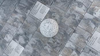 Hatalmas emlékművé építik át a Kálvin teret a protestánsok