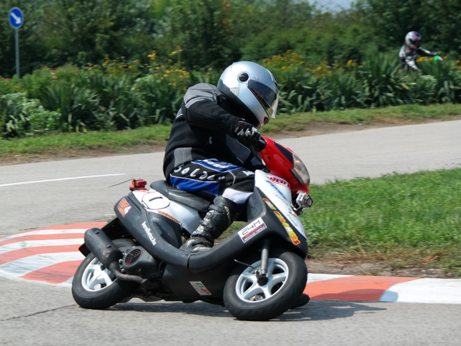 A Big Hero 4 csapat kétszer nyerte meg a 24 órás Totalbike 24 órás versenyét, a Jog ZR-rel soha nem volt gondjuk