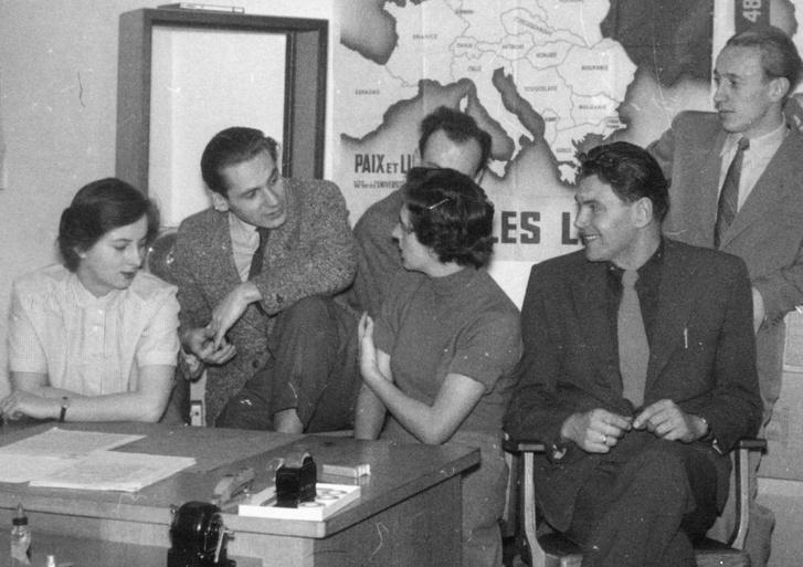 A szerkesztőség az 50-es években.