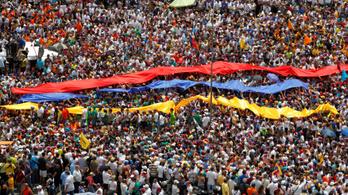 Százezres tüntetés a venezuelai kormány ellen