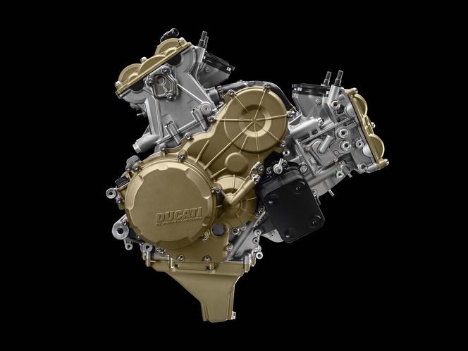A 1199 Superleggera rommá reszelt blokkja. Már ez van a 1199 Panigale R-ben, ami a Superbike VB-s homológizációs modell