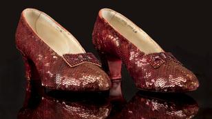 89 milliót dobtak össze a Dorothy cipőre