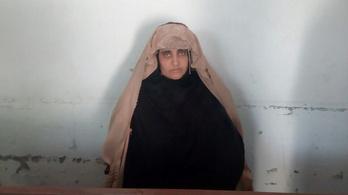 A világhírű fotós kiáll a letartóztatott afgán modell mellett