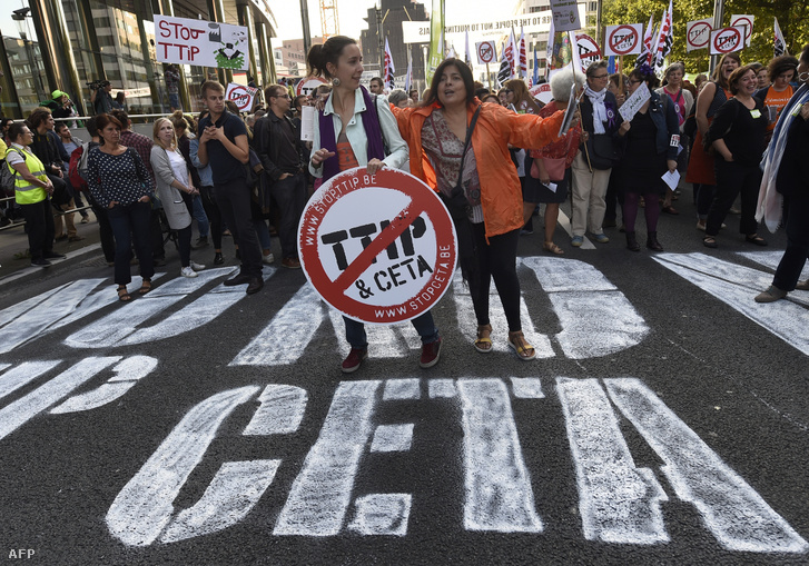 CETA-ellenes tüntetés Brüsszelben, szeptemberben