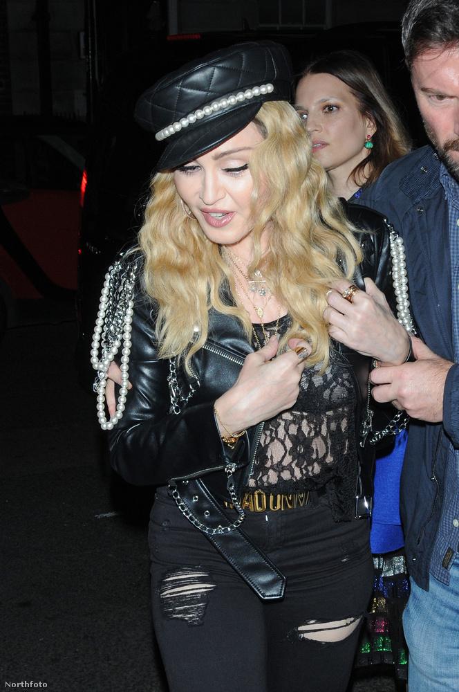 ...főleg hogy Madonna nem is lehetne átlagos nagymama és nem csak azért, mert még nincs unokája.