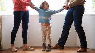 Ha válnak a kamasz szülei, az fájni fog