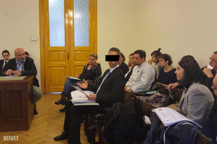 B. Kirsztián a tárgyaláson, első fokon bűnösnek találta a bíróság a volt budai kórházigazgatót