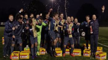 27 rekeszt sört kaptak, mert megdöntötték az Ajax rekordját