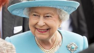 Nézze meg II. Erzsébet királynő legszebb nyakláncait!