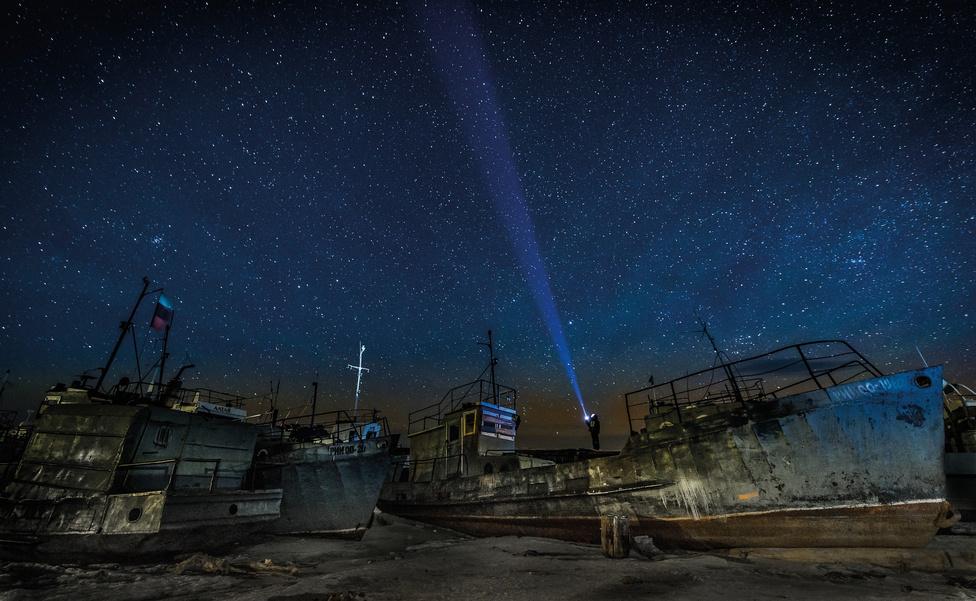 Kezünkben a föld kategória, kiemelt pályamű - Fény az éjszakában