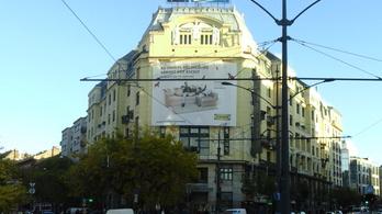 Melyik a 10 legfelháborítóbb épületre szerelt reklámháló?