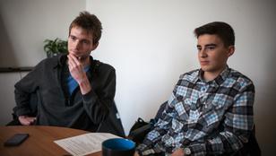 A várost járó fiatalok próbálják újjáépíteni Budapest közlekedését