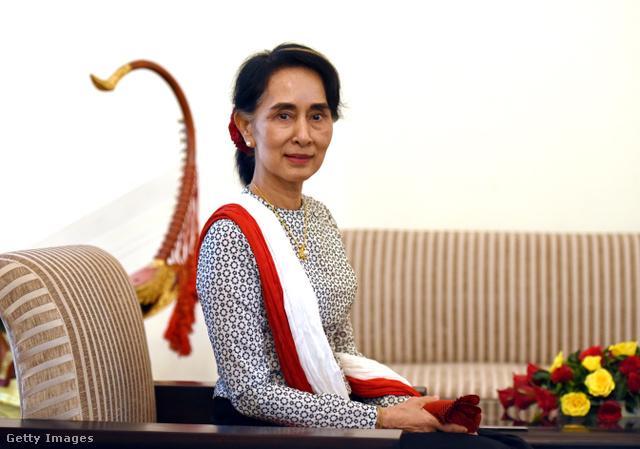 Ang Szán Szu Csí, államtanácsnok (Mianmar)