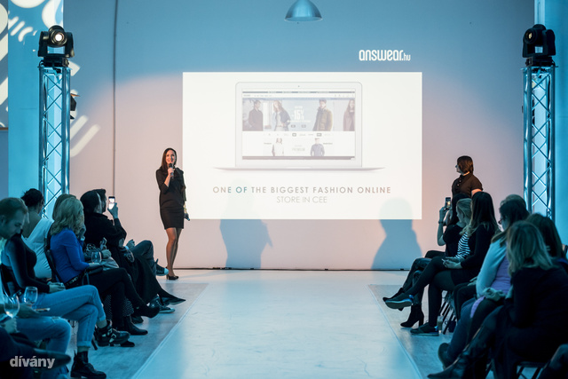 Anna Sliwinska, az üzlet nemzetközi sales- és marketingmenedzsere mutatta be a márkát a sajtónak.
