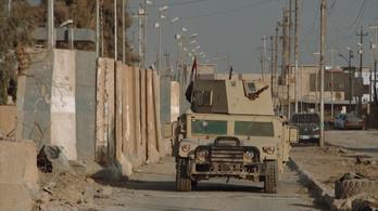 Nehéz eldönteni, mi durvább, az ISIS vagy az ostrom ellenük