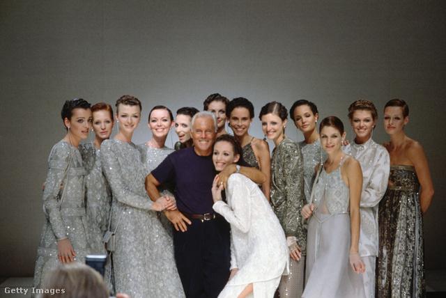 Giorgio Armani és modelljei.