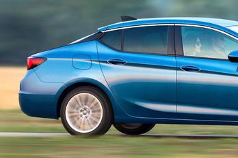 Nem létező Opellel hiteget a kereskedő