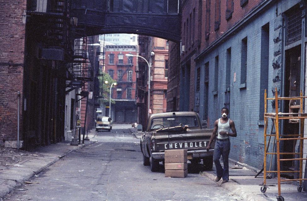 """""""A céltalannak tűnő végtelen gyaloglások közben azért egy kicsit a város lakójának is érezhettem magam, ugyanúgy, mint a helybéliek. """""""