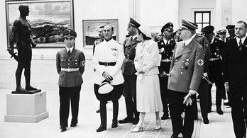 Ebbe a pezsgő művészeti életbe tenyerelt bele Hitler