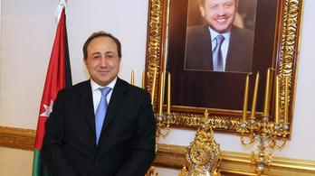 Jordánia budapesti tiszteletbeli konzulja kért vízumot Pharaonnak