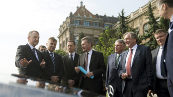 Magyar pénzen, oroszbarát üzletember magángépén repült egy EU-biztos?
