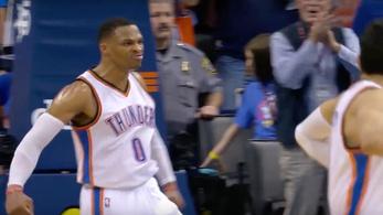 Westbrook bepörgött, átment pusztítóba