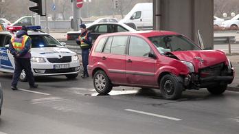 Mi okozza a baleseteket a Flórián téri halálkereszteződésben?