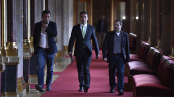 A Fidesz leszavazta a Jobbik Orbán-féle alkotmánymódosítását