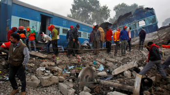 Már 146 halottja van az indiai vonatbalesetnek