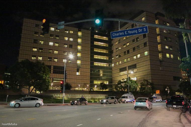 tk3s x17 kanye west hospital 112116 12