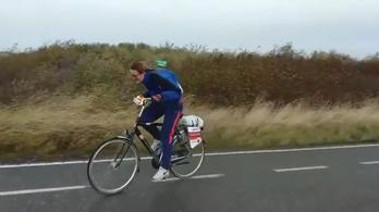 Hollandiában megőrültek, szembeszélbajnokságon bringáznak