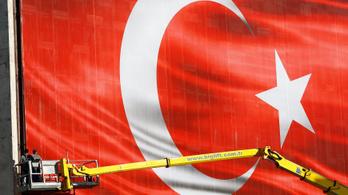 Az EP döntött: felfüggesztenék Törökország EU-s csatlakozását