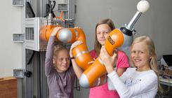 Ingyenes programokat kínál a bécsi Robotok Éjszakája