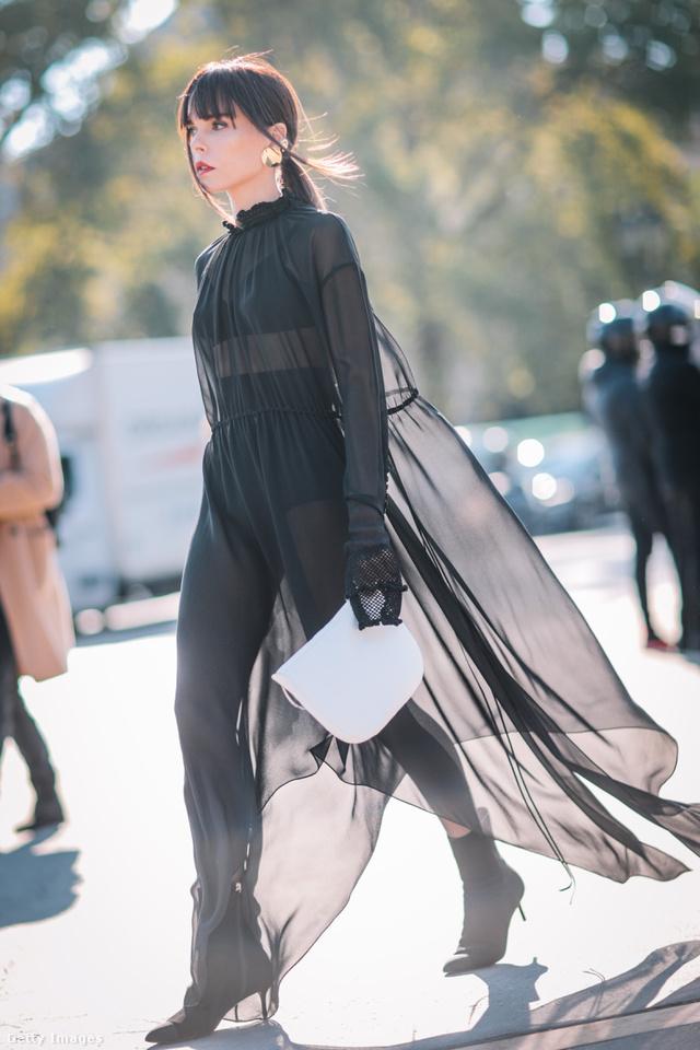 """A """"croissant bag """" fantázianéven futó Celine táska népszerű a hírességek körében is."""