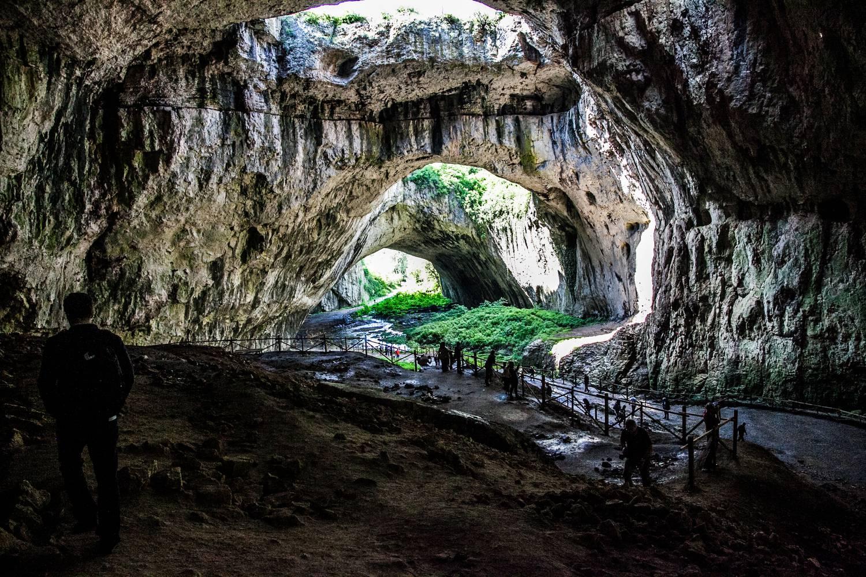 Öt furcsa turistalátványosság a nagyvilágból vipera-szentélytől szülőcsatorna-barlangig