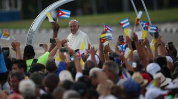 Ferenc pápa imádkozik Fidel Castróért