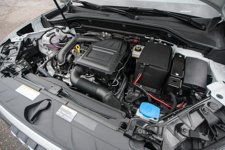 Ez itt a legkisebb motorja: 1.0 TFSI, 116 LE