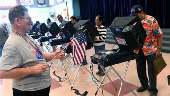 Trump: Három államban elcsalták a választásokat az illegális bevándorlók