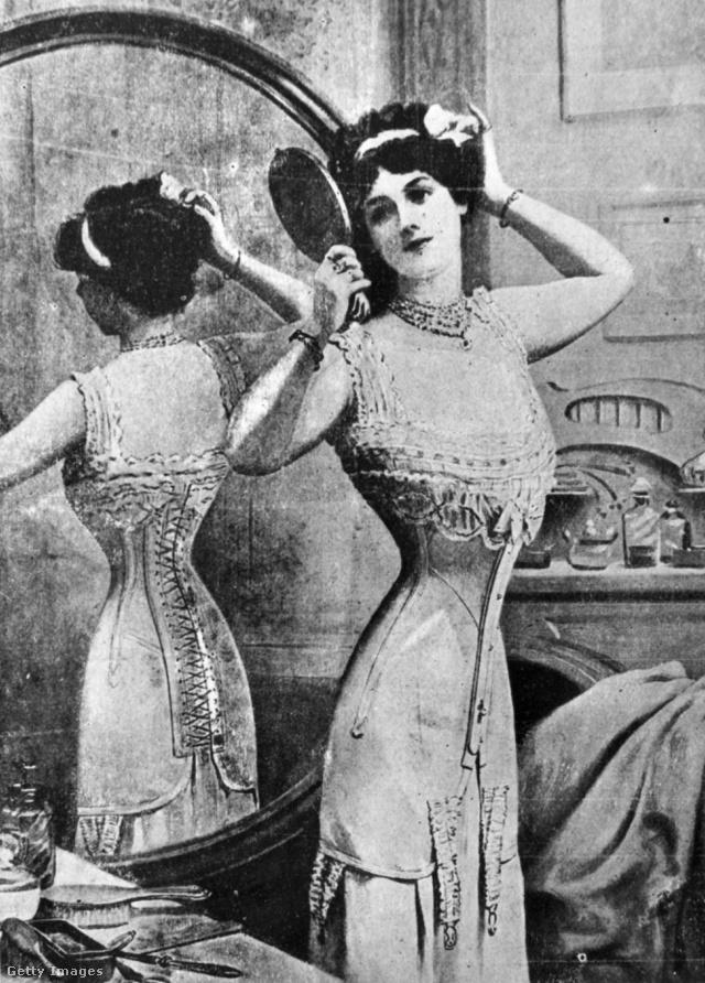 Listánk egyik legértelmetlenebb és legmacerásabb ruhadarabja a fűző, ami hosszú távon még egészségügyi károkat is okozott. A 19.századból például vannak olyan boncolási eredmények, mely szerint a fűzőt viselő nők belső szervei eltorzultak, bordái eltörtek.