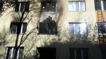Kiégett egy lakás a Fehérvári úton