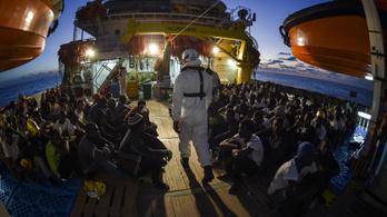 Csúcsot döntött az Olaszországot elérő menekültáradat