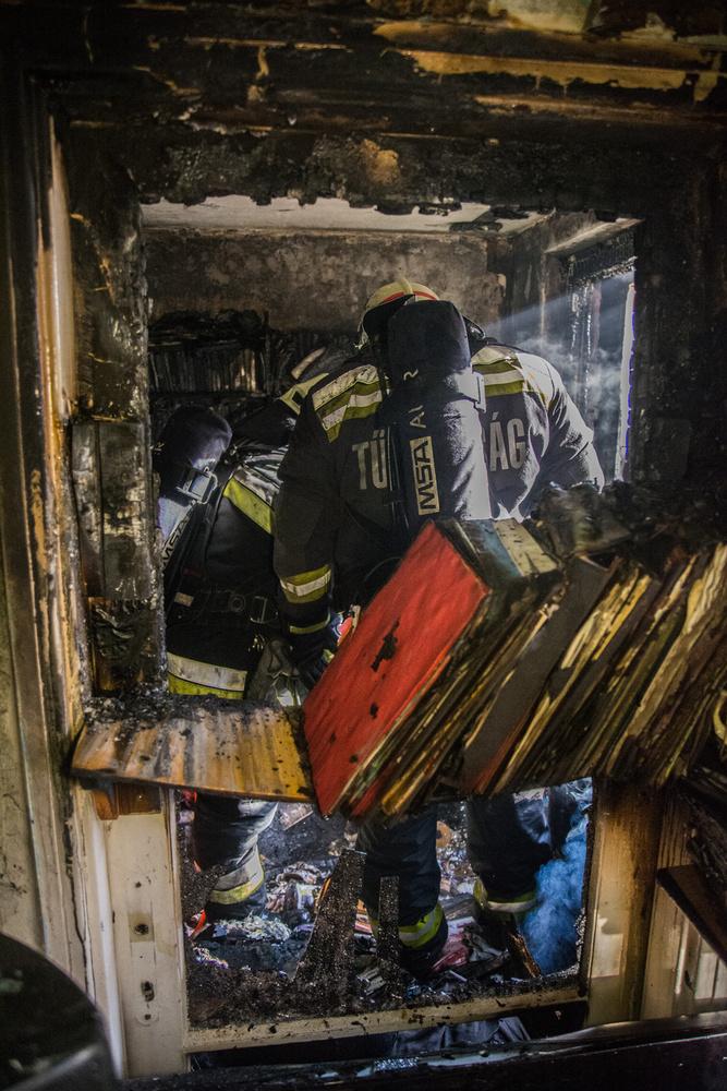 A fővárosi tűzoltóknak köszönhetően senkinek nem történt komolyabb baja