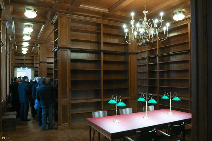 A Mezőtúri Református Kollégium felújított Ókönyvtára