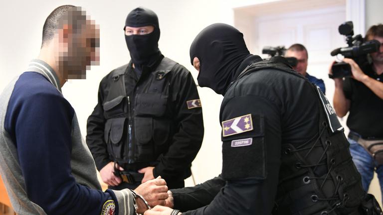 Szeretjük Magyarországot, mondta a tíz év fegyházra ítélt röszkei megafonos szír férfi