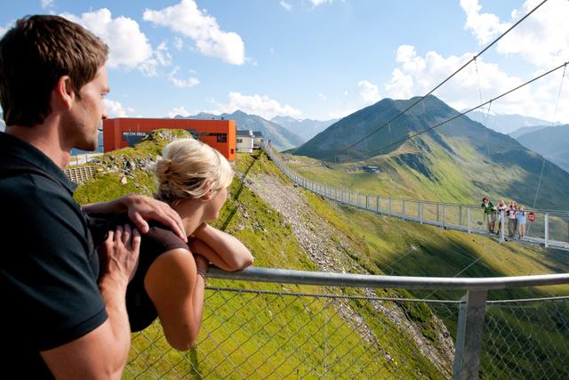 Függőhíd az Alpokban