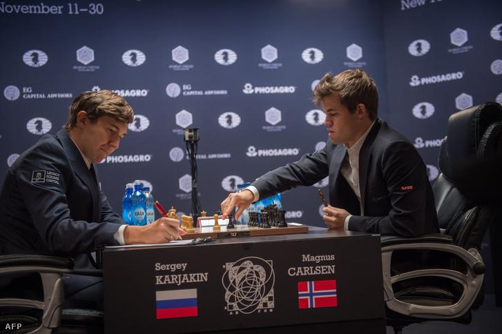 Karjakin és Carlsen a 11. fordulóban, november 26-án.