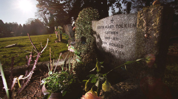 Saját szerelmének történetét írta meg J.R.R. Tolkien a jövőre megjelenő könyvében
