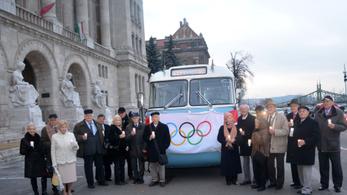 Újra itthon a bajnok, akinek kettétörte életét az 56-os olimpia