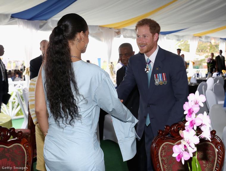 A történelemlecke után a szemünk előtt zajló történelem következik:                          Harry Herceg találkozása Rihannával!