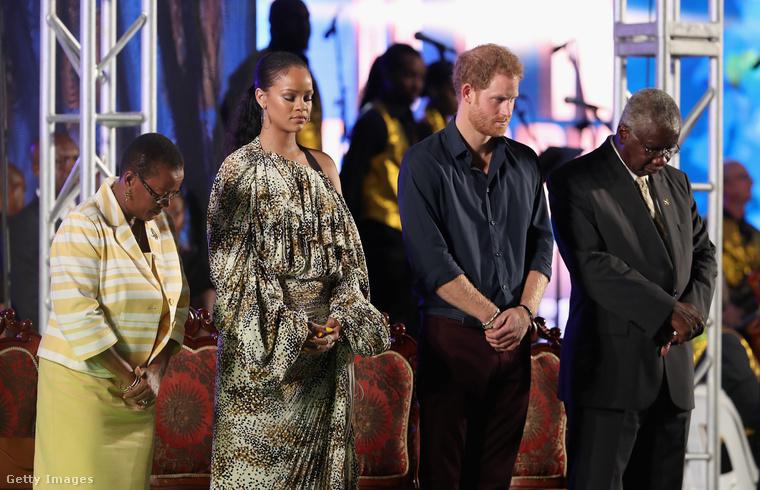 Rihanna a Kis Antillák szigetszövetséghez tartozó Barbadoson született, nevelkedett